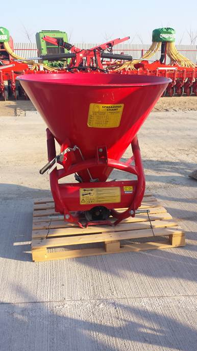 Fertilizator conic model COSMO 500L